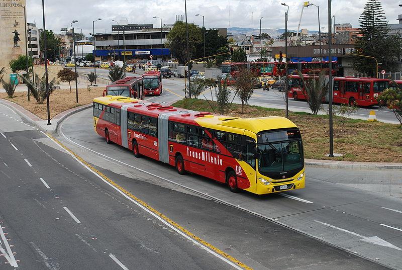 Doppelgelenkbus